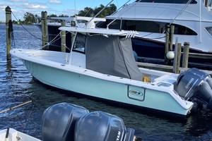 Sea Hunt 30 - Exterior Profile