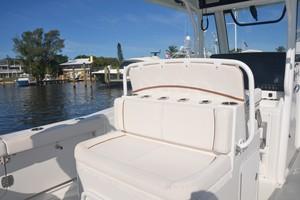Sea Hunt 30- aft console seat