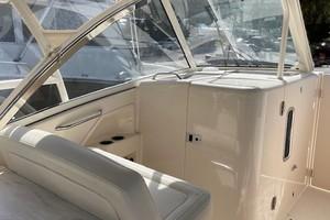 Grady White 32 - Ardea - Deck seating