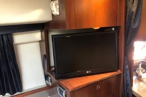 Chaparral 31- C-Scape - Cabin TV