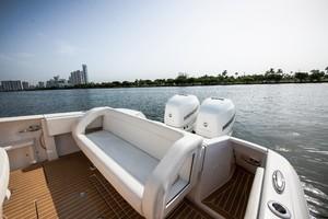 Intrepid 32 - Next Edition - Cockpit Seating