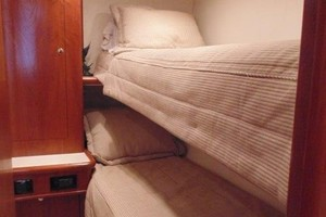Ritchie Howell 65 LOW PROFILE - Guest Upper Lower Bunk