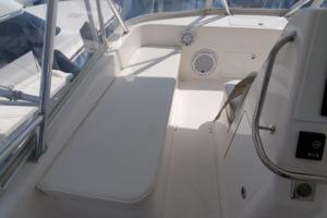 40 Cabo - Manana - Flybridge Helm Seating