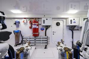 Viking 68 WAE FUN - Engine Room