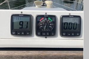 Loving Life 32ft Hunter Yacht For Sale