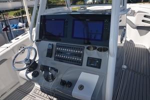 Tidewater 320 CC - helm