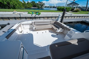 Tiara 43 - She Salty II - Cockpit