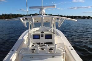 DARLIN is a Regulator 34SS Yacht For Sale in Rumson--14