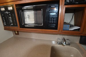 Albe Chillin is a Albemarle Express Fisherman Yacht For Sale in Virginia Beach-2001 Albemarle 280 - Albe Chillin-54