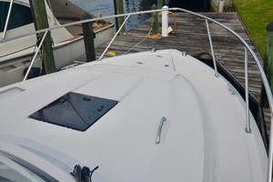 Pursuit 32 - Grillin Time - foredeck