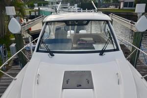Pursuit 32 - Grillin Time - windshield