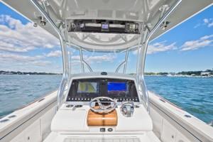 Valhalla Boatworks 33 - Helm