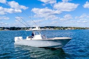 Valhalla Boatworks 33 - Exterior Profile