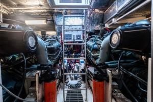 Tiara Yachts 43 - Amadeus - Engine Room