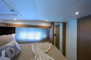 Absolute 52 KNOT ZEN - Forward Stateroom