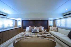 Absolute 52 KNOT ZEN - Master Stateroom
