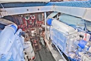Viking 41 - Yota Life - Engine Room