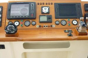 82' Advanced Marine Catamaran 2009 HelmCenterConsole
