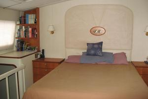 82' Advanced Marine Catamaran 2009 Master Cabin