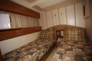 72' Viking Sport Cruiser 1999 Twin Stateroom