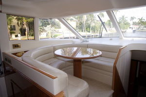 72' Viking Sport Cruiser 1999 Pilothouse Dinette