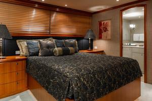 124' Delta Marine Tri-Deck MY 1998 VIP Stateroom