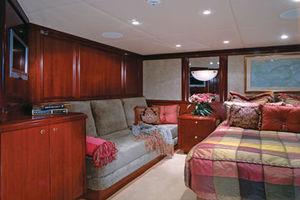 143' Van Mill  1988 VIP Guest Stateroom