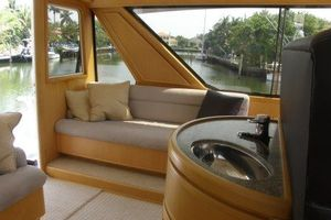 60' Bertram Enclosed Flybridge 1997 Flybridge