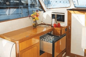 37' Marlow Prowler 375 Classic 2018 Complete Cockpit Galley