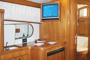 37' Marlow Prowler 375 Classic 2018 Hinged Flat Screen  and Optional Wetbar or Desk Area