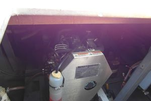 40' Bertram 40 1995 1995 Sportfish Engine Room