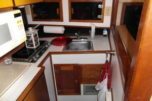40' Bertram 40 1995 1995 Sportfish Starboard Galley