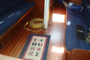 37' C&C 37/40 Wing Keel (Model 37R) 1990 Teak & Holly in beautiful condition