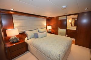 114' Hatteras Raised Pilothouse MY 1996 Guest Stateroom