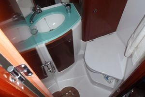 52' Beneteau 523 (owners Version) 2005