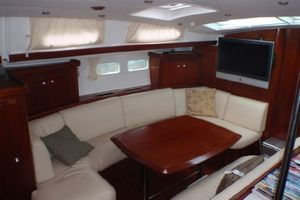 52' Beneteau 523 (owners version) 2005 Port Salon/Dinette