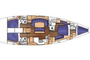 52' Beneteau 523 (owners Version) 2005 Correct layout but no finished out crews quarters in the bow