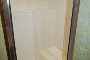 68' Hatteras 68GT 2009 Master Stateroom Custom Shower