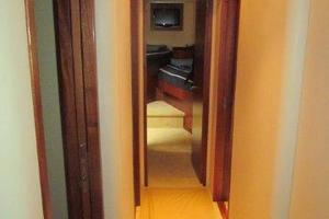 68' Hatteras 68gt 2009 Companionway Lower Forward
