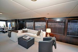 118' Broward Raised Pilothouse My 1995 Main Salon