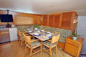 118' Broward Raised Pilothouse My 1995 Galley Dinette
