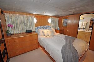 118' Broward Raised Pilothouse My 1995 Queen Guest Stateroom, Stbd