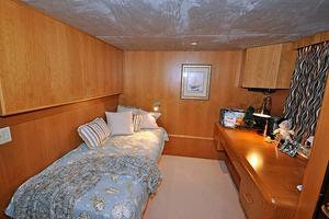 118' Broward Raised Pilothouse My 1995 Twin Guest Stateroom / Office