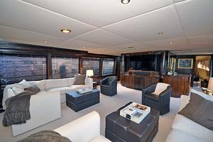 118' Broward Raised Pilothouse My 1995 Main Salon, Forward