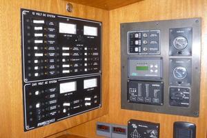 60' Auzepy Brenneur Sloop 2008 Auzepy Brenneur Sloop - Switch Panels