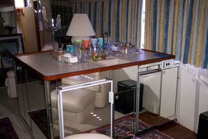 80' Broward Raised Pilothouse 1980 Salon Wet Bar