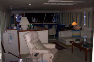 80' Broward Raised Pilothouse 1980 Salon Looking Aft