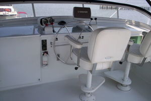 80' Broward Raised Pilothouse 1980 Fly Bridge