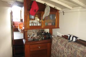 38' Matthews Single cabin 1930 Beautiful cabinetry
