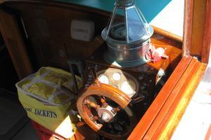 38' Matthews Single cabin 1930 Helmstation- note the original compass